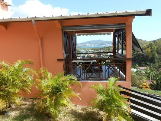 HABITATION BELLEVUE . Appartement CARRIACOU - 02.03.18